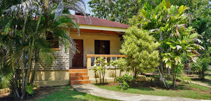 Alonaland Resort – Apartelle Bungalow