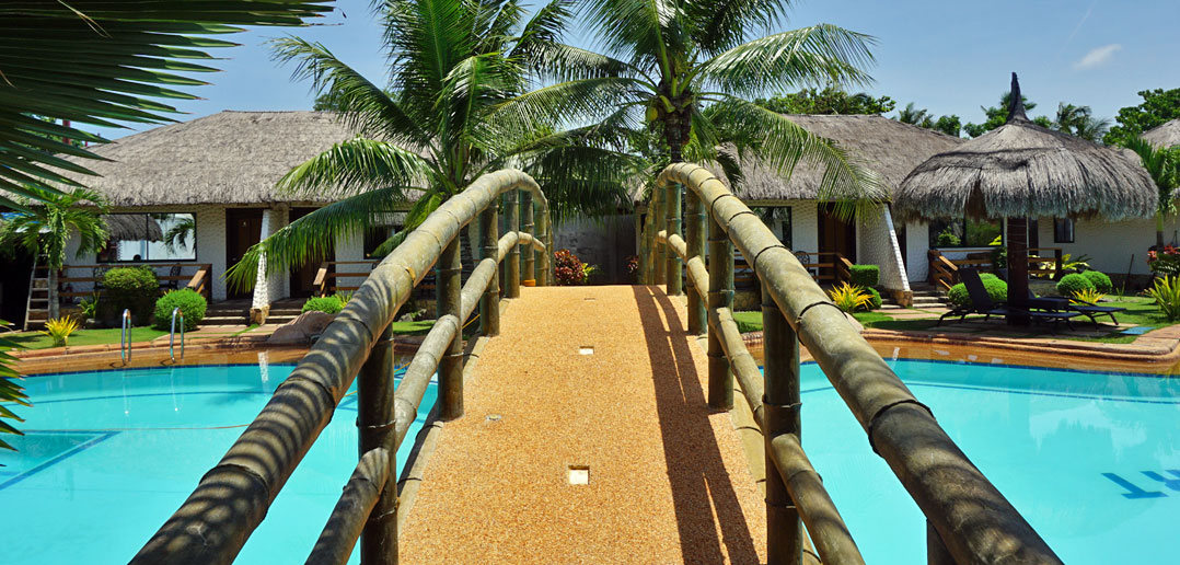 Bohol Wonderlagoon Resort - Pool Bridge