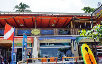 Buzzz Café at Alona Beach - Panglao