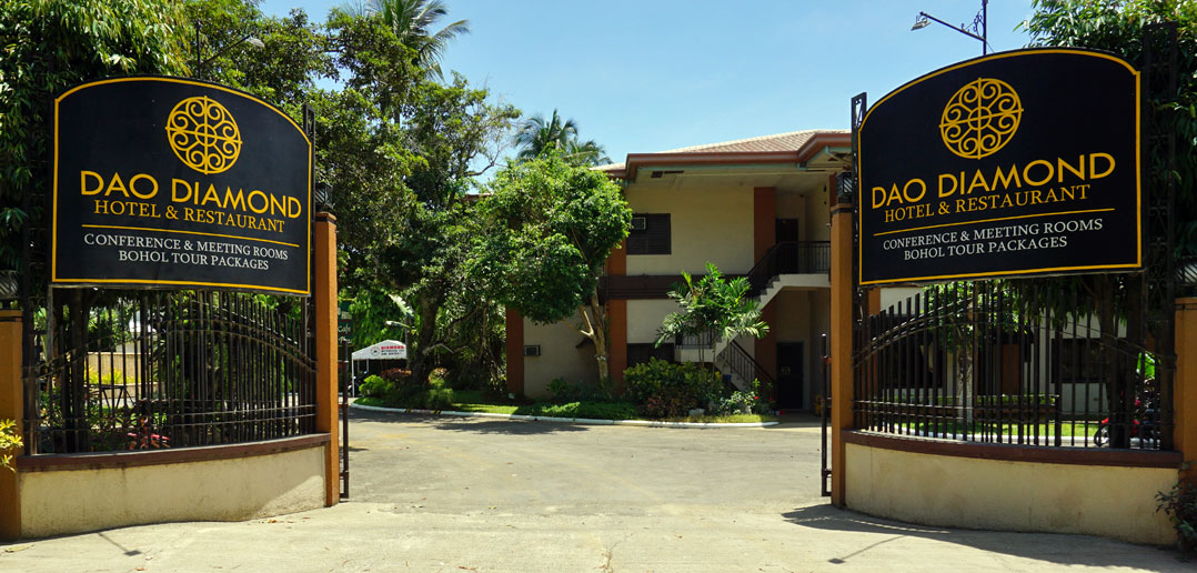 Dao Diamond Hotel Entrance