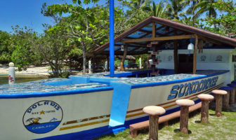 Polaris Beach Dive Resort Sundowner Bar